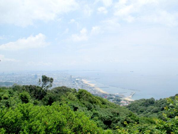 山頂からの須磨海岸 2