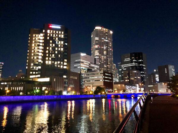 川沿いの夜景 2