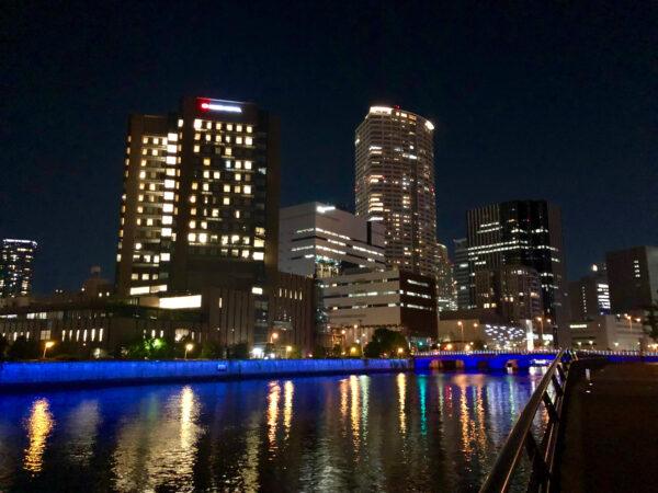 川沿いの夜景 1