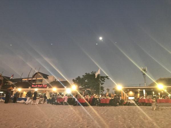 バリのジンバランビーチ 12
