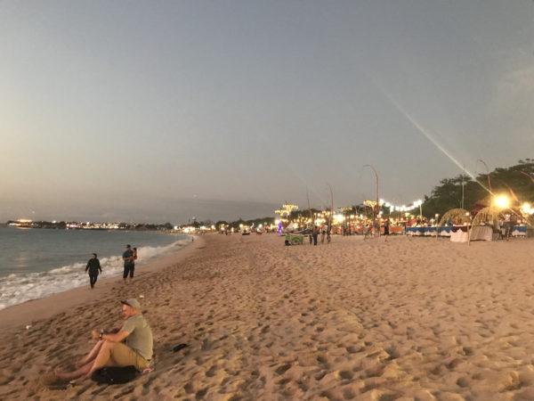 バリのジンバランビーチ 7