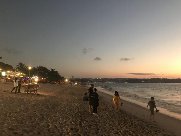 バリのジンバランビーチ 8