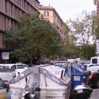 ローマは意外とゴミゴミしてる