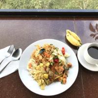 バトゥール山での食事 2
