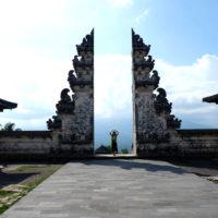 バリ島の割れ門 2