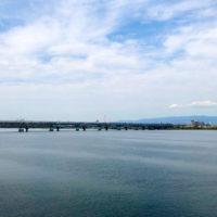 淀川に架かる橋と電車 1