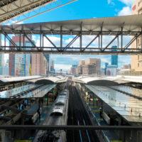 大阪駅の上から見える鉄道線路 1