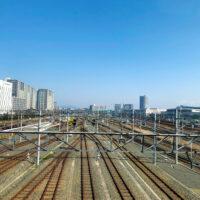 上から見た集合する電車の路線 1